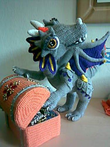 2000 Free Amigurumi Patterns: Dragon Trilogie - Shangri-La