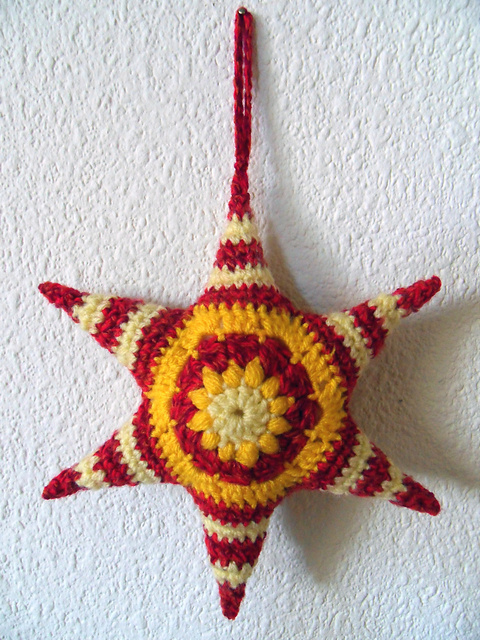 Free Crochet Pattern Christmas Star : 2000 Free Amigurumi Patterns: Hexagons are my Stars