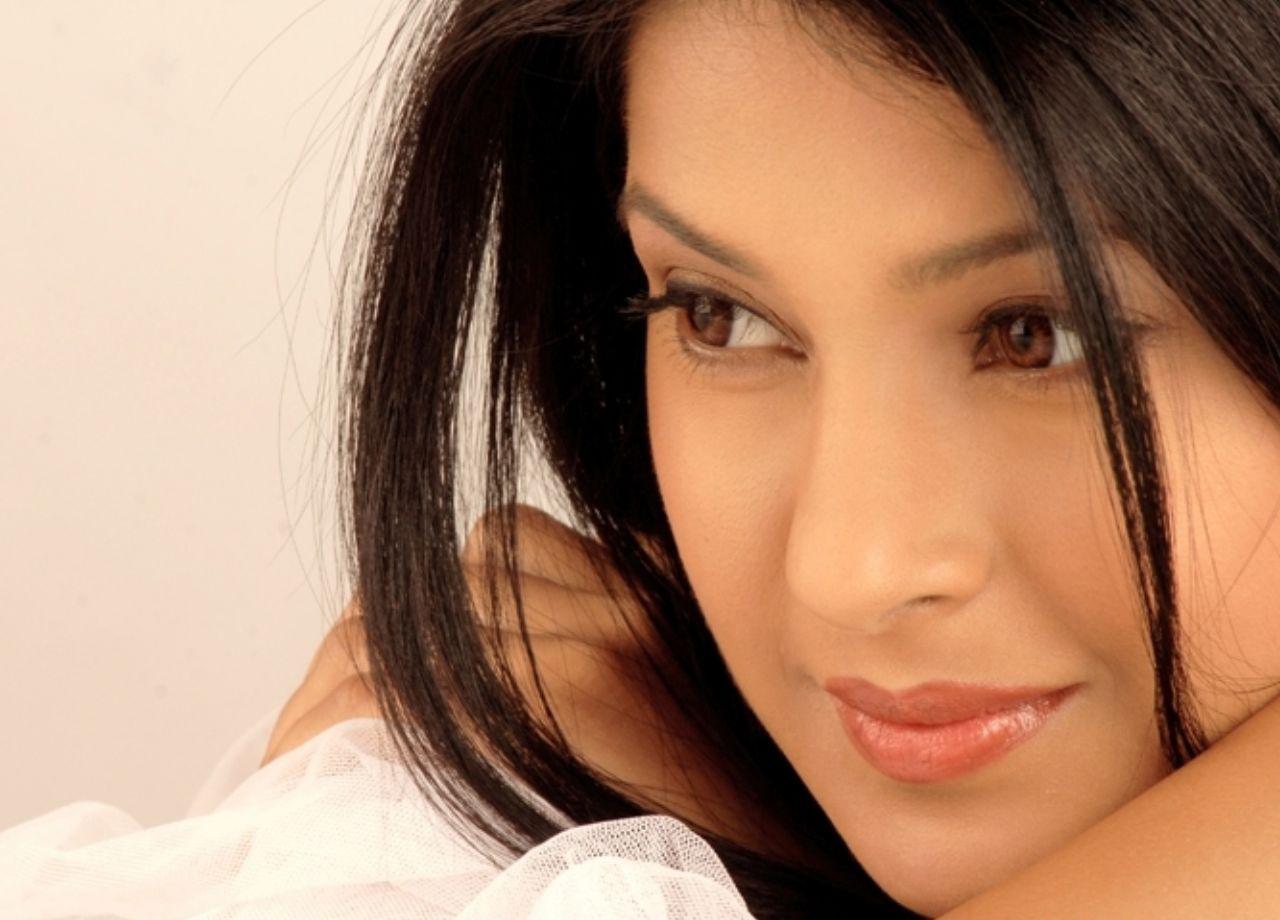 Jennifer Winget Bollywood Drama Actress Wallpapers 2011 ...
