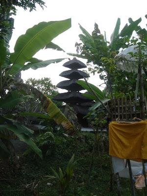 zicht op de Masceti tempel, naast Villa Sabandari, een klein boetiek hotelletje vlakbij Ubud op Bali.