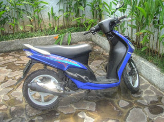 Bromfiets voor het hotel in Ubud Bali
