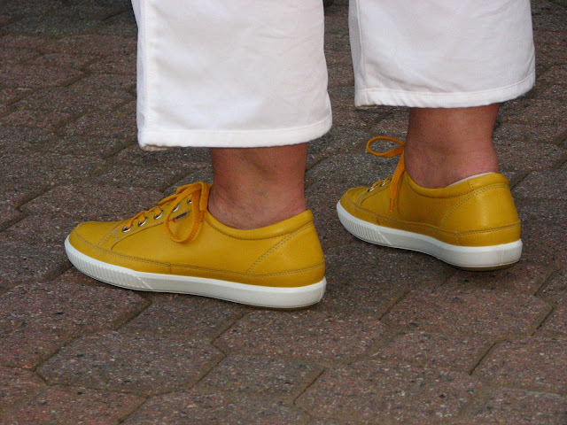 The Yardbirds and The Who sound much better when jigged to in yellow plimsolls.