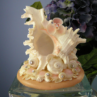 Ivory Coral Reef And Diamonds On The Beach Seashell Wedding Cake Toppers
