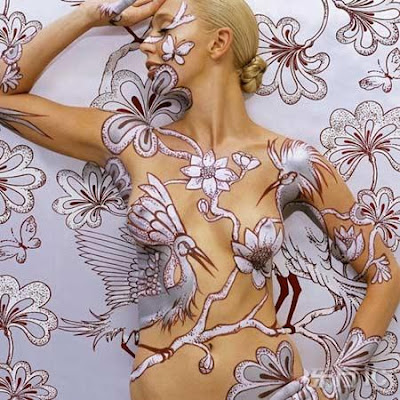 naked wallpaper. This body art caught my eye,