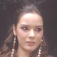 Udita Goswami Perfect Oval Face