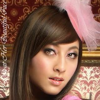 Cindy Lee Distinctive Beautiful Face