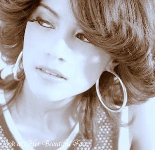 Zallascht Sadat Beautiful Face
