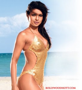 Priyanka Chopra Hot Actress Swimsuit Body Pics
