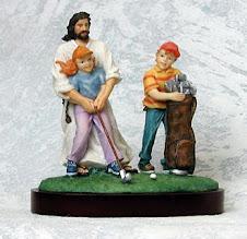 Jesús enseña Golf a los niños