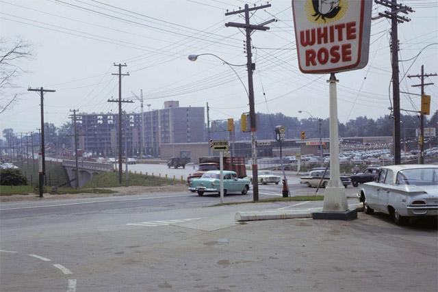 Toronto White Rose Gas Station Islington and Dundas 1961