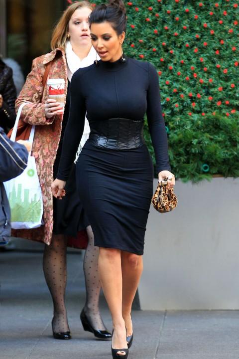 SHAMPALOVE: BREAKING NEWS : Kim Kardashian has ( Big ) NIPPLES!!