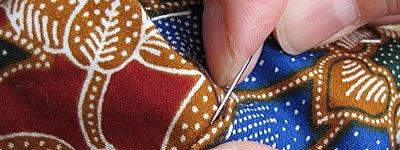 アップリケは手縫いで…