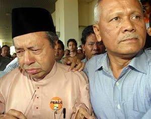 [Mahathir+crying.jpg]