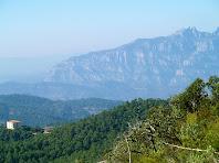 Montserrat i la Casanova de l'Obac des del camí de la Torrota