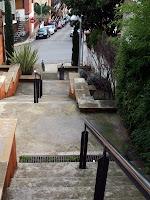 Escales al carrer de Santiago Rusiñol de Torrelles de Llobregat. Autor: Carlos Albacete
