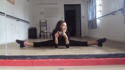 • Ser bailarina es difícil, pero yo aguanto •