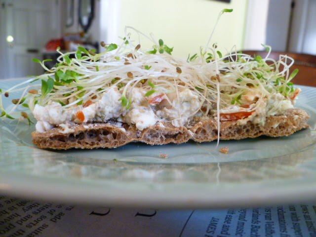 foto Pumpernickel Morning Cheese Toast