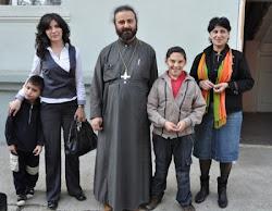 მამა ირაკლი ბავშვთა სახლის აღსაზრდელებთან ერთად