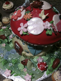Toadstool cake, Love Bakery