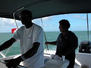 Marie-Laure et Jean-Luc, sur leur bateau