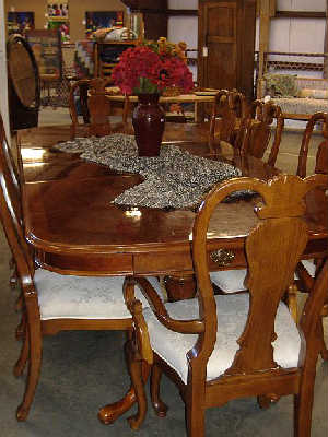 queen anne dining room table and chairs. charming queen anne