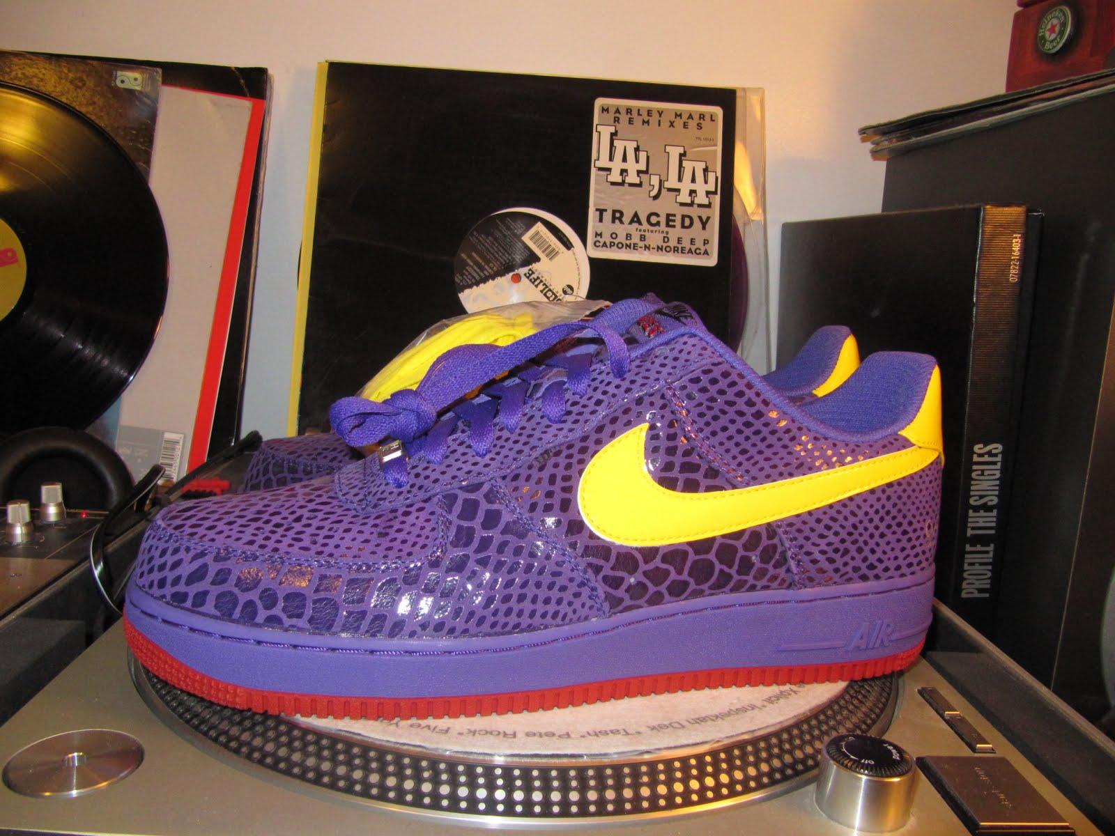 Nike Air Force 1 Livestrong x Mr. Cartoon Air Force 1's
