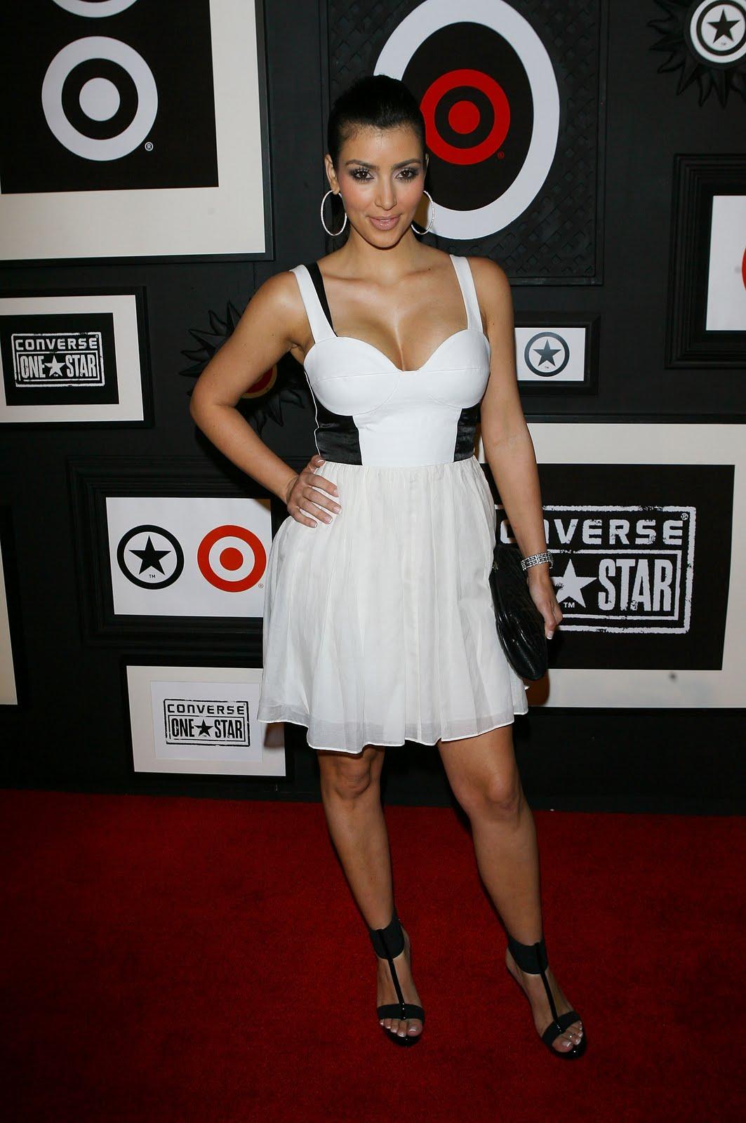 http://2.bp.blogspot.com/__dSMljhXGag/TBPQG6ClPlI/AAAAAAAAC4c/JwGQocGuYyA/s1600/05570_Kim_Kardashian-Target_0_Converse_One_Star_Movie_Award_058_122_420lo.jpg