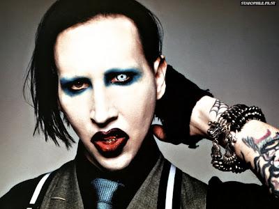 marilyn manson tatuajes. Marilyn Manson explica por qué se cortó el rostro