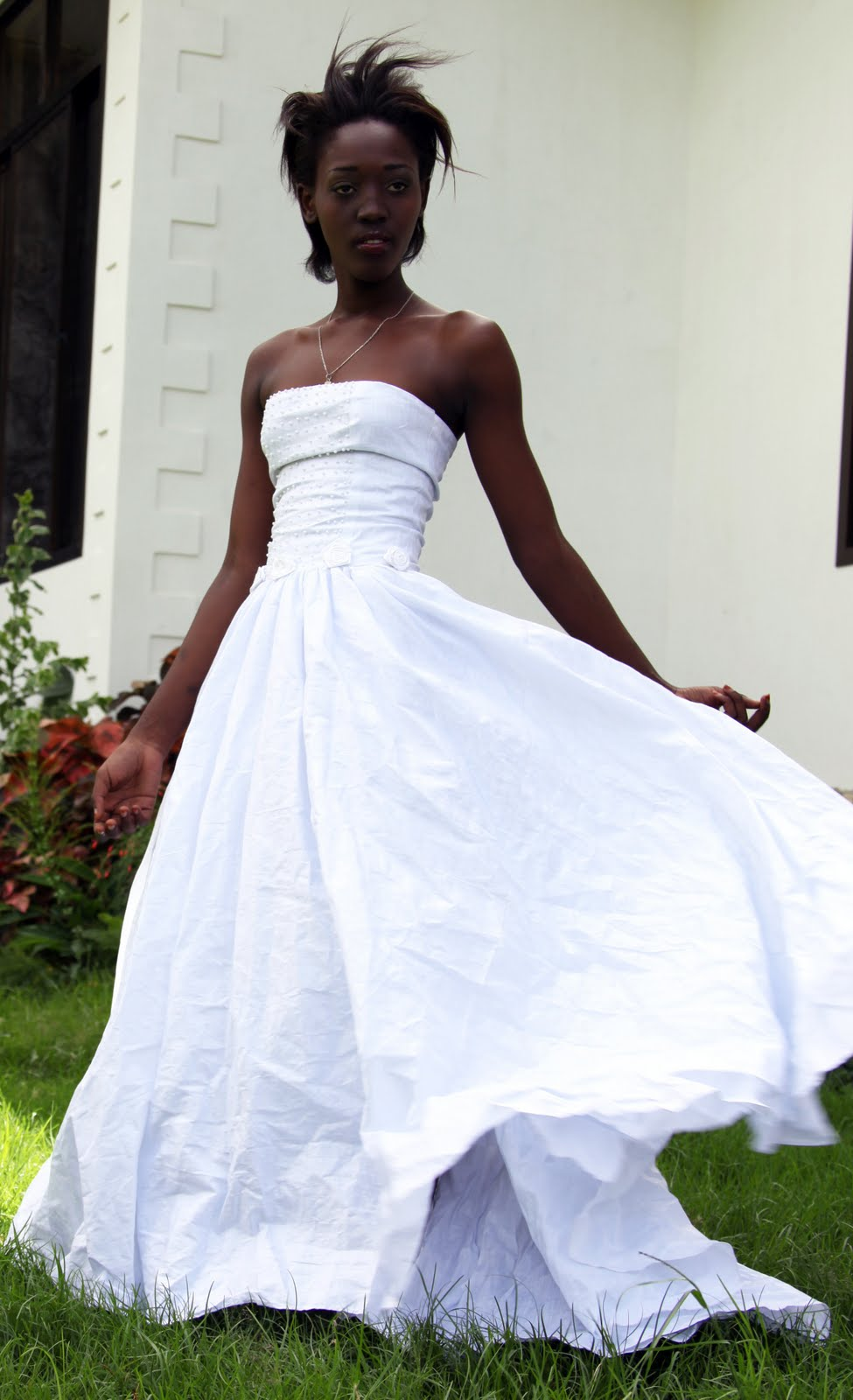 Alire african tailoring wedding dress for Donate older wedding dress