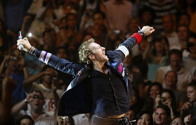 Coldplay enciende Río de Janeiro a pesar de la lluvia