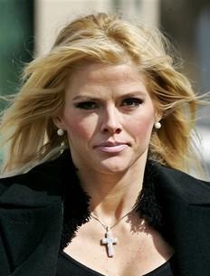 Anna Nicole Smith era investigada por posible homicidio