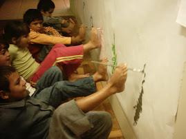 Pré-escola nível B, EMEI Tia Luizinha: pintura com o pé