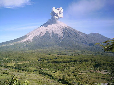 Alert status of Mount Semeru Start Activity Observed