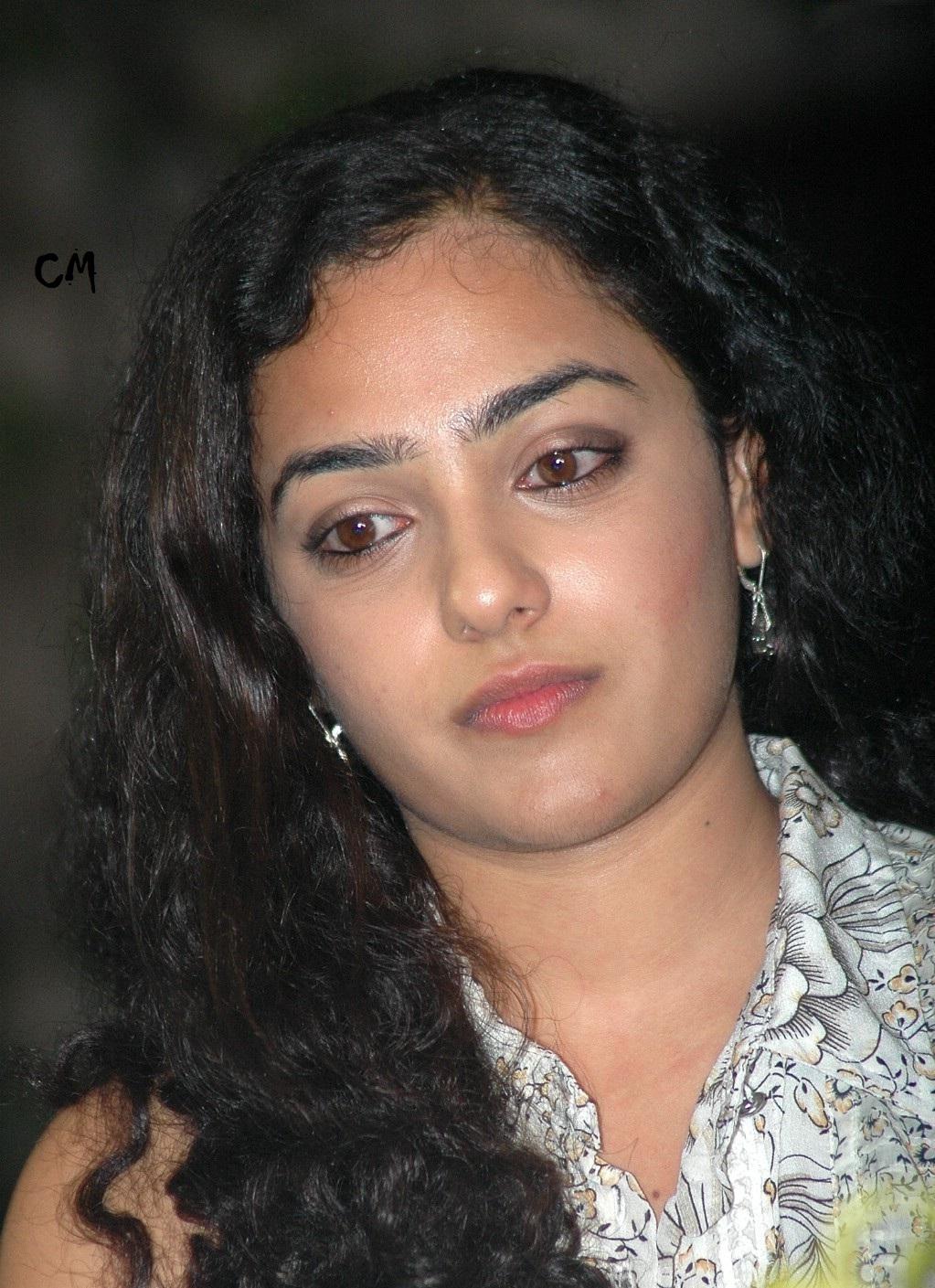 malayalam actress nithya menon biodata / film avec annie girardot et