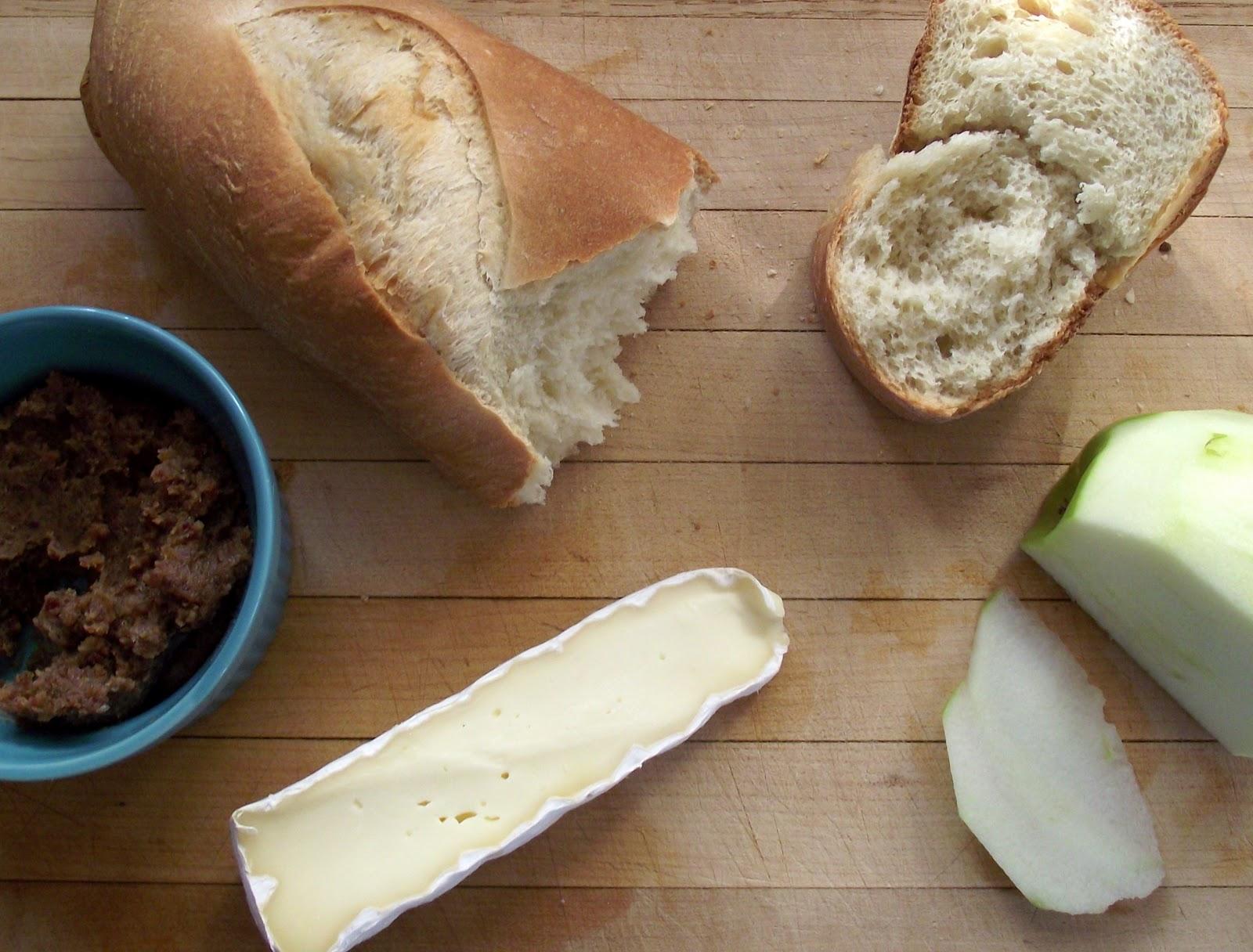 Dog Eat Blog: Apple, Brie, and Bacon Jam Panini
