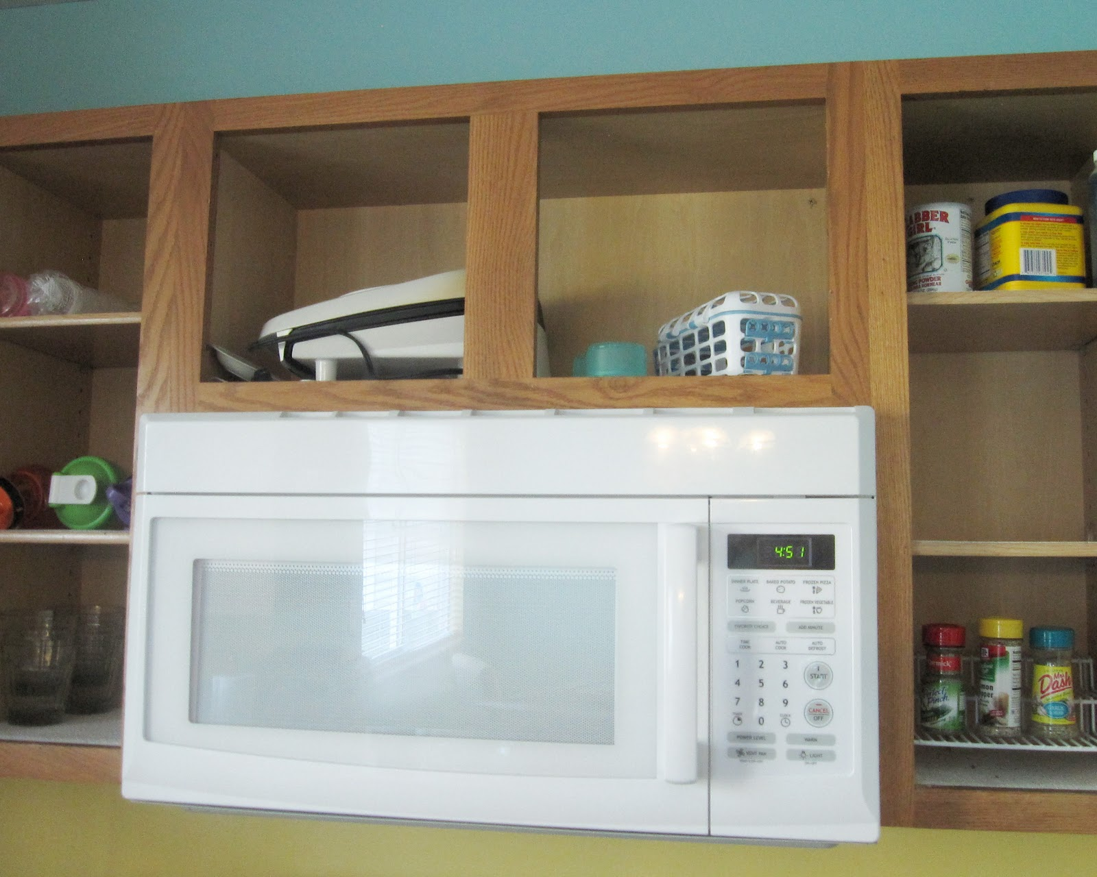 the starter home painting kitchen cabinets tutorial