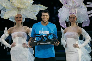 Tsonga and babes in Paris