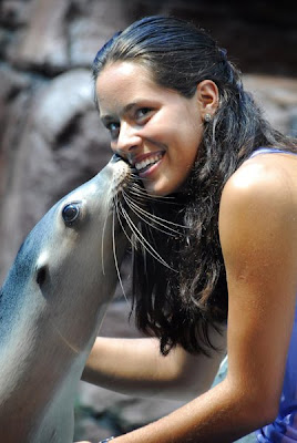 Ana Ivanovic and seal