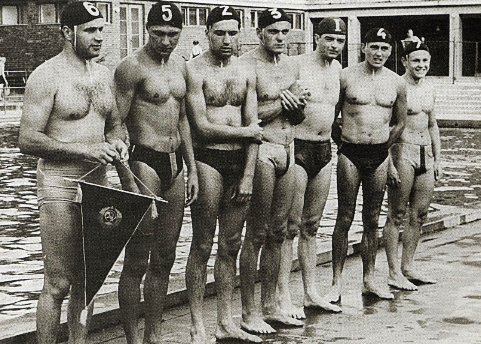 women water polo players