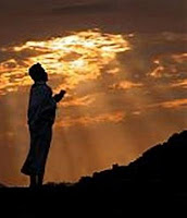http://2.bp.blogspot.com/__in_Unzw-Zs/S_sVs_2ZR-I/AAAAAAAABHw/qkmyqQtzAis/s1600/berdoa_.jpg