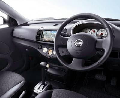 Nissan Micra C+C Interior