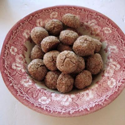Makes 40 cookies. Disaronno, the traditional Italian almond liquor,