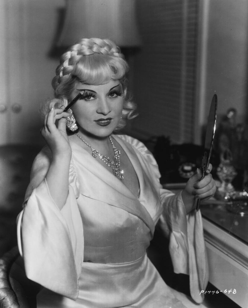 Retro Threadz Vintage: Mae West