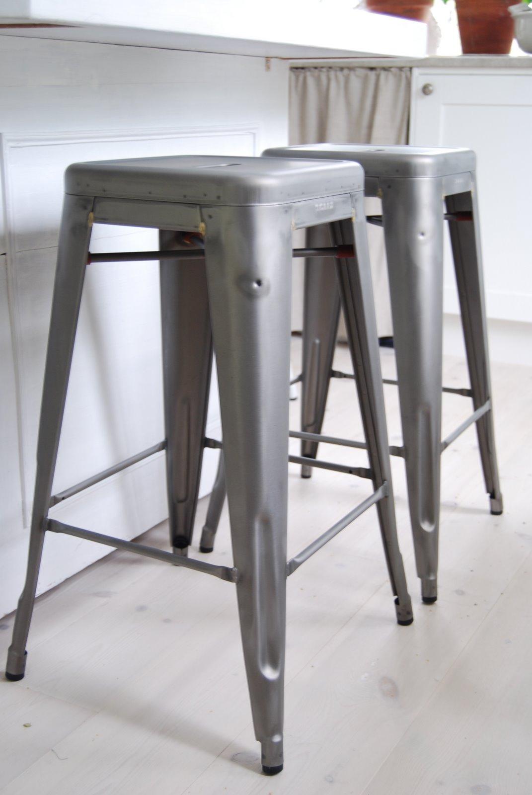 on mediendesign mit tolix leben und arbeiten. Black Bedroom Furniture Sets. Home Design Ideas