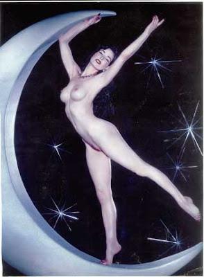 Nude Bilder von Sydnee Steele