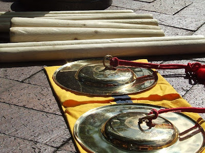 taiko sticks and jangara cymbals