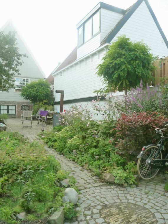 Oorspronkelijke boerentuin met extra gras - zomer