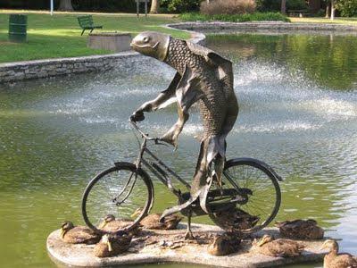 http://2.bp.blogspot.com/__qzX-0fL9Js/Sv2rFtWw0UI/AAAAAAAAUxg/Tg0uNJzfpww/s400/fish+bike.jpg