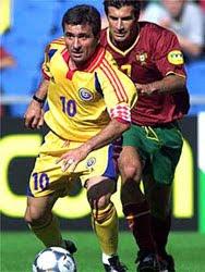 Hagi e Figo - Romênia x Portugal 1994