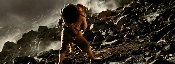 Sam carrega Frodo
